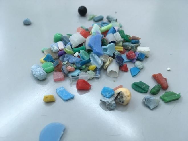 破片化するプラスチック